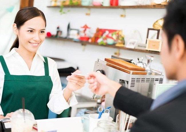 sinh viên New Zealand làm thêm nhân viên quầy thanh toán