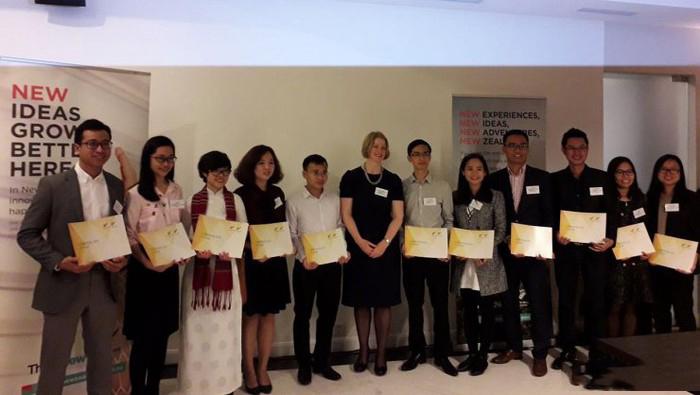 30 sinh viên suất sắc nhận học bổng du học New Zealand