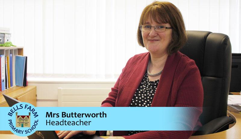 Principal hay Head teacher là hiệu trưởng